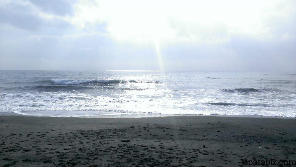 鴨川シーワールド近くの浜辺