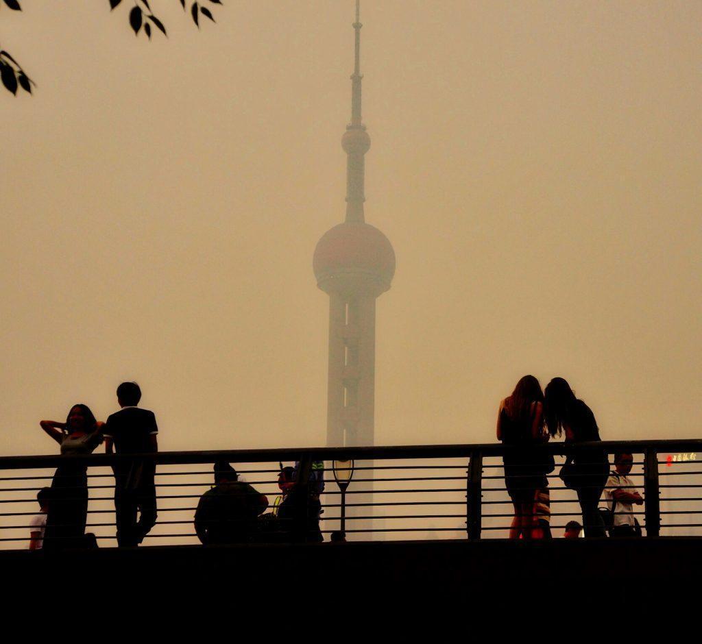 曇ったいつもの上海