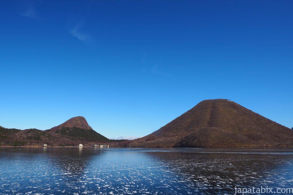 氷が張った榛名湖