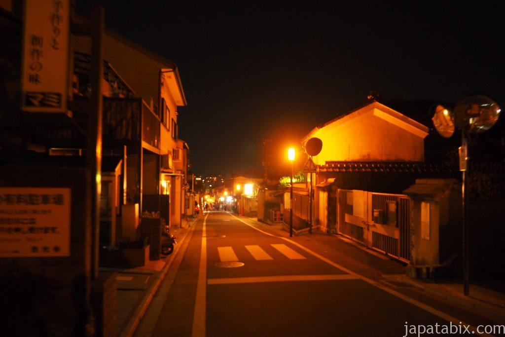 夜の清水寺の参道