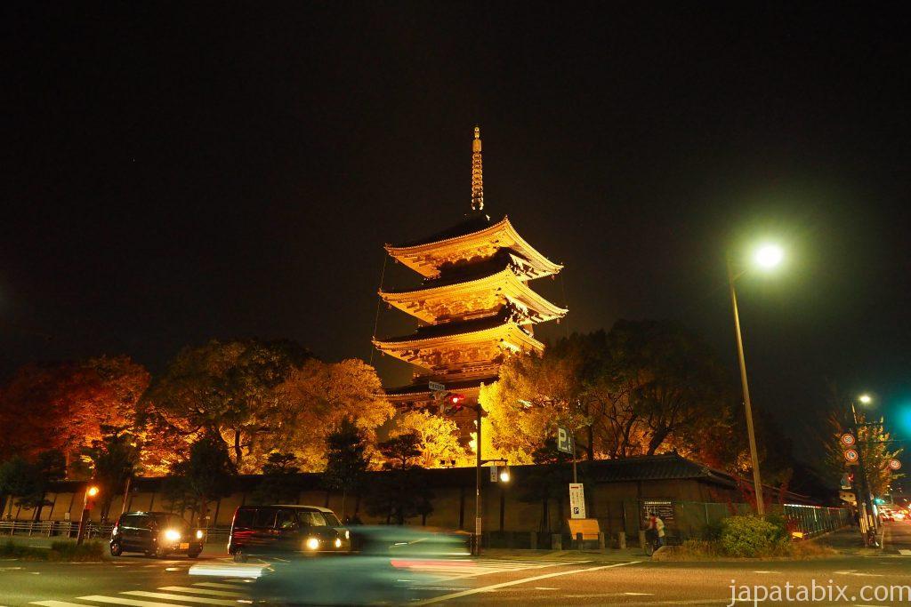 ライトアップされた東寺 五重塔