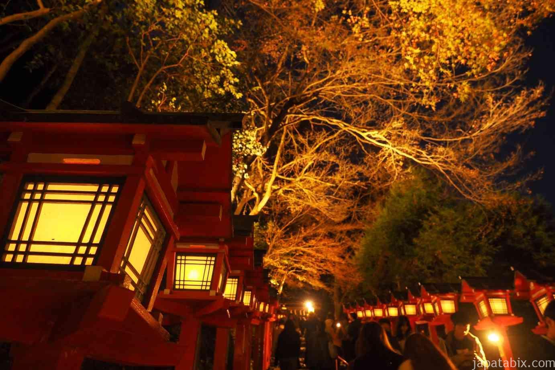 京都 紅葉 貴船神社 灯篭