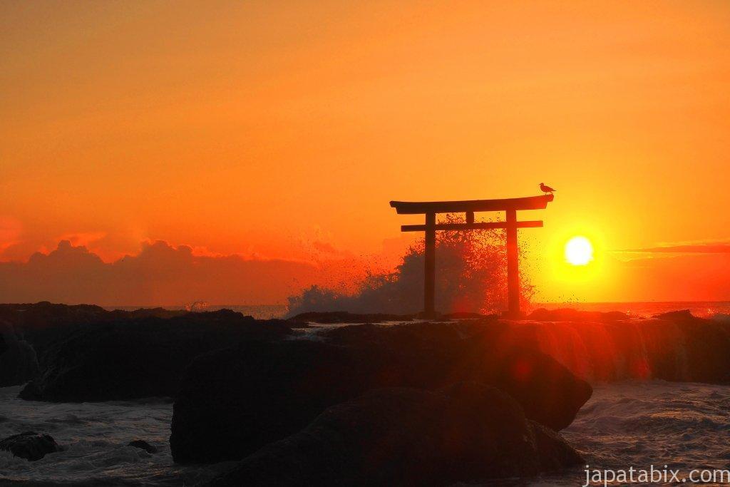 大洗磯前神社 神磯の鳥居の日の出