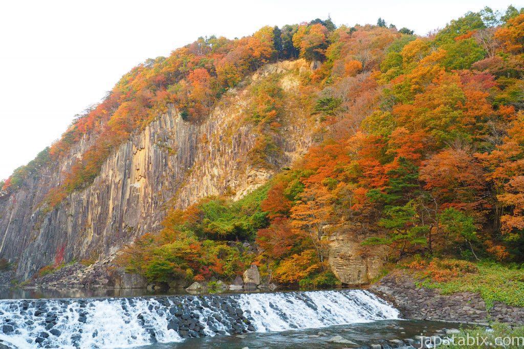 材木岩公園の紅葉