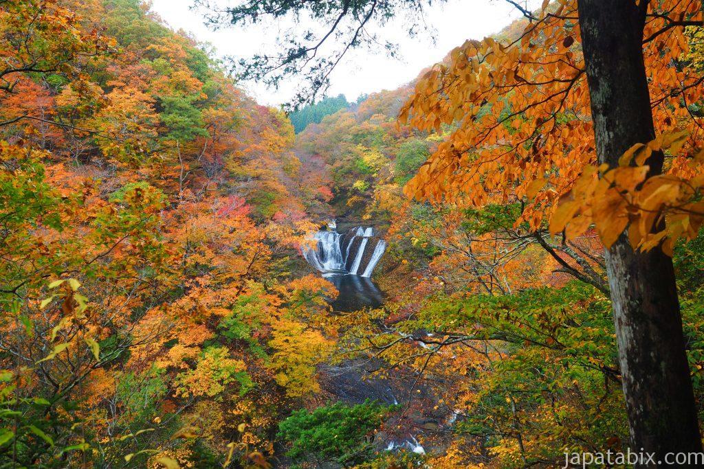 生瀬の滝の紅葉