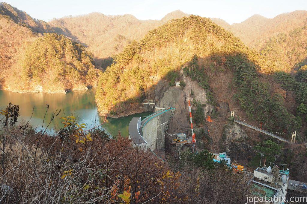 瀬戸合峡の紅葉と川俣ダム