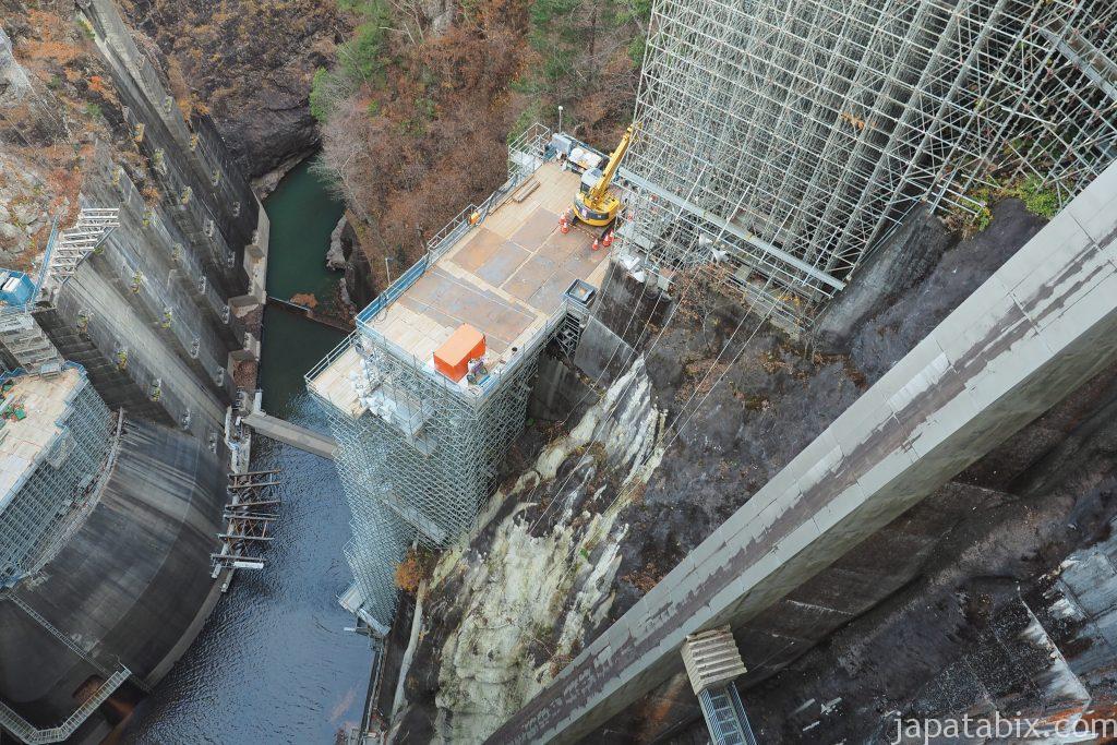 川俣ダムの凄い足場