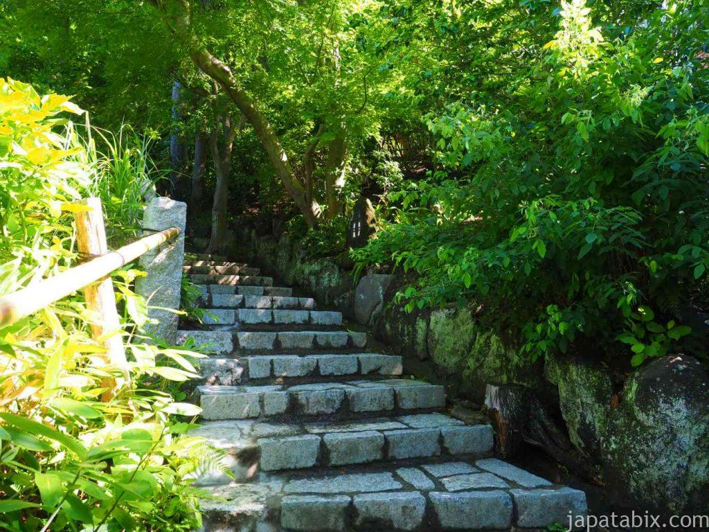 杉本寺 横の石段