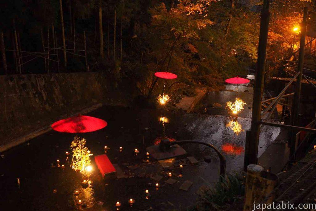京都 貴船神社 紅葉 川床 ライトアップ