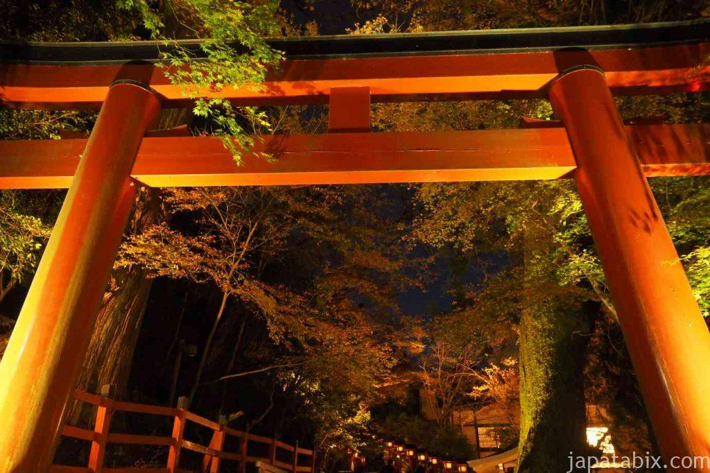 京都 貴船神社 紅葉 二の鳥居 もみじ灯篭