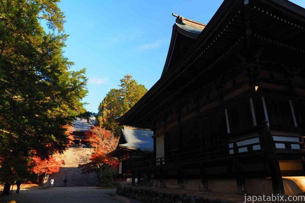 京都 高雄 神護寺 金堂を臨む