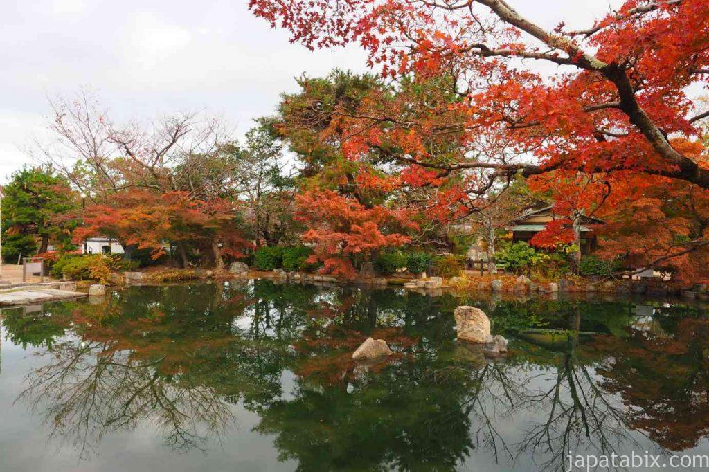 京都 東山 円山公園の紅葉
