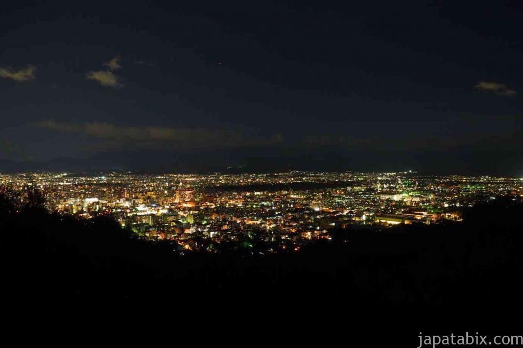 京都 将軍塚青龍殿の大舞台から見る京都夜景