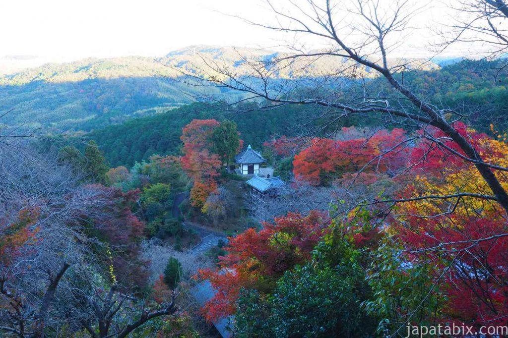 京都 西山 善峯寺 薬師堂の紅葉