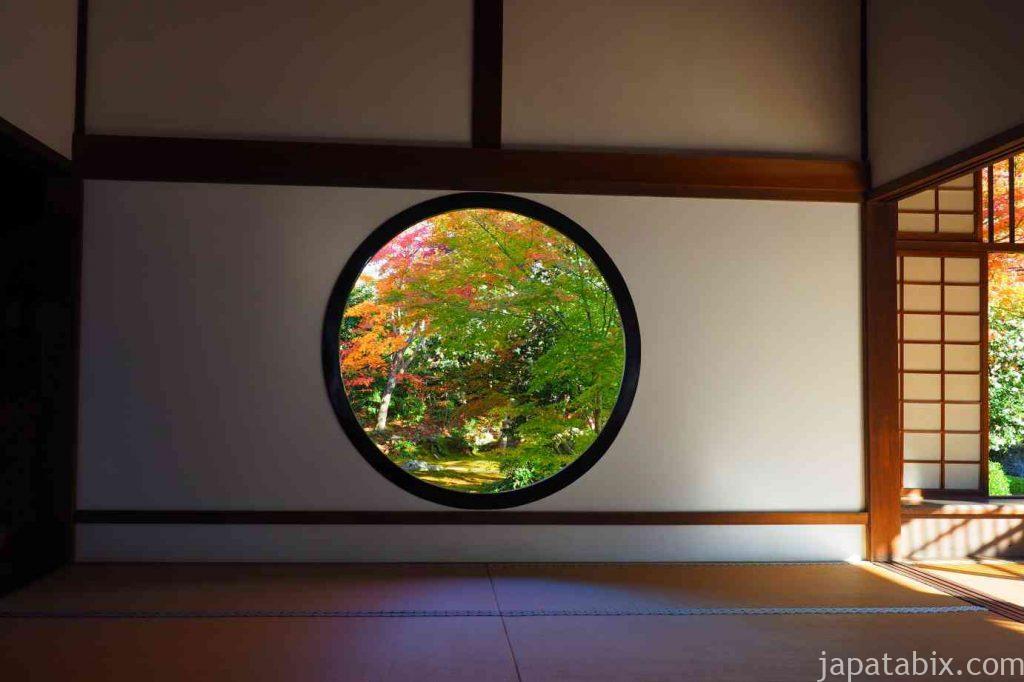 京都 源光庵 紅葉 悟りの窓