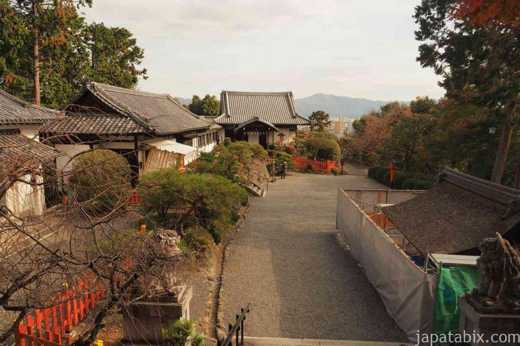 京都 建勲神社 境内