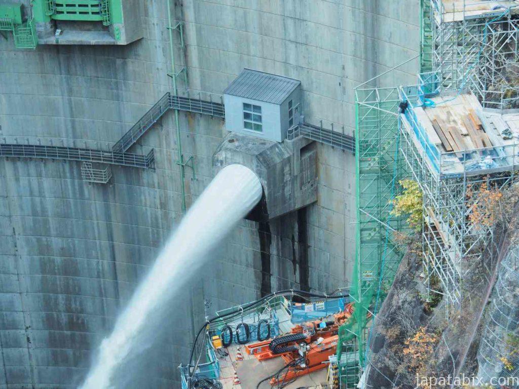 川俣ダムの工事足場