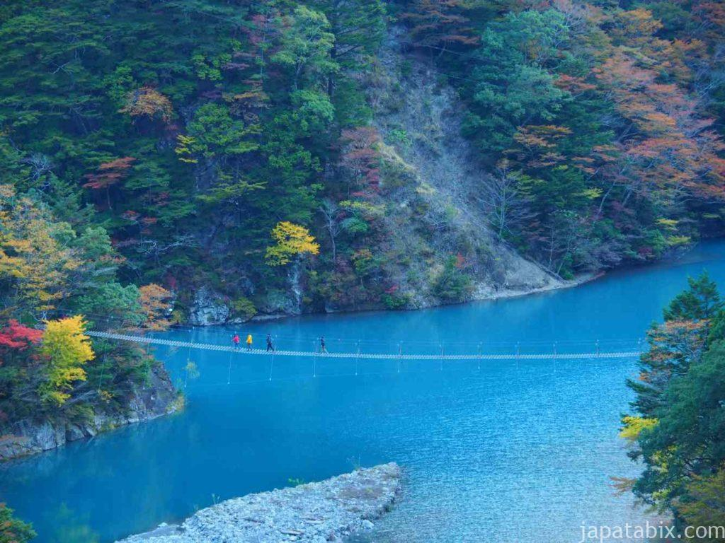 静岡県 寸又峡 夢の吊橋の紅葉を望遠で見る