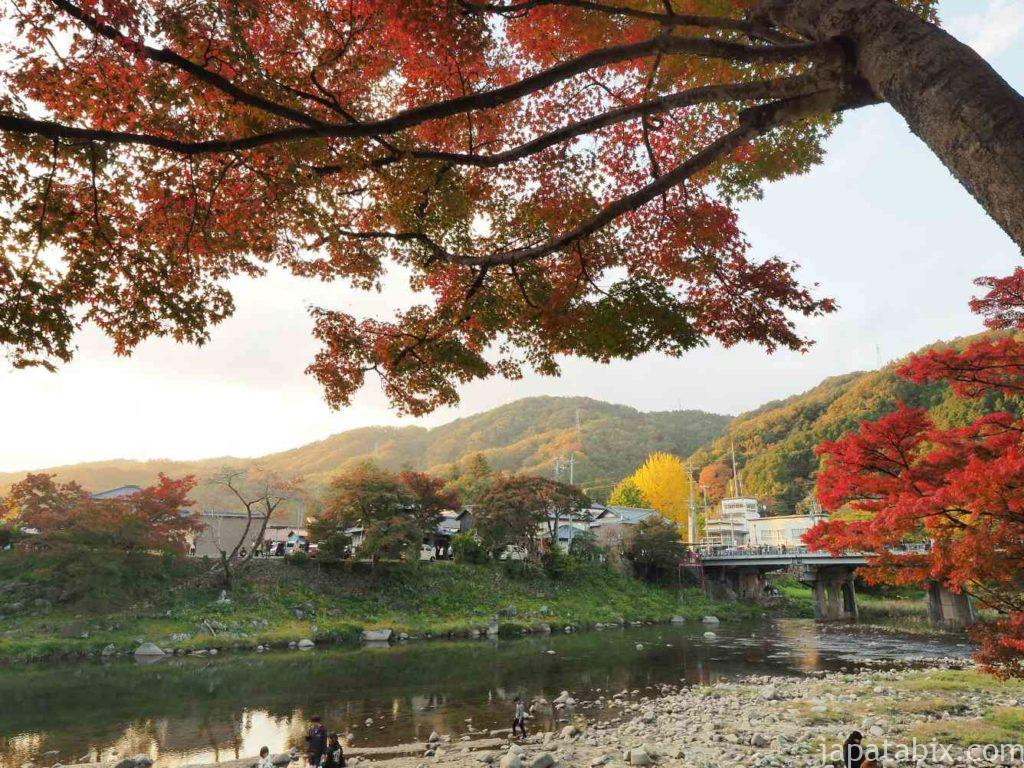 香嵐渓の紅葉 日中