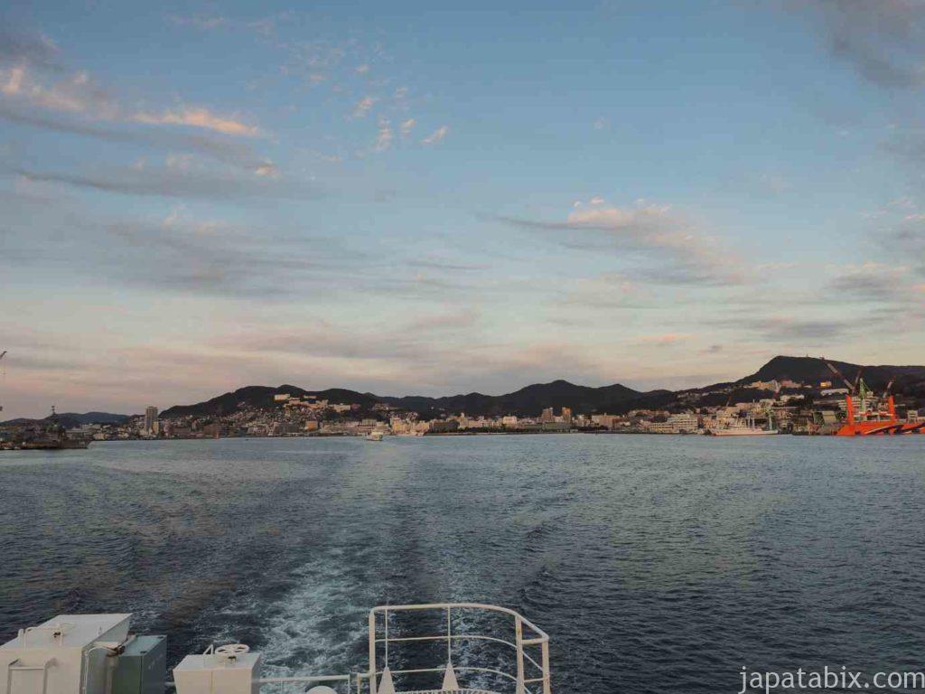 長崎港を出発