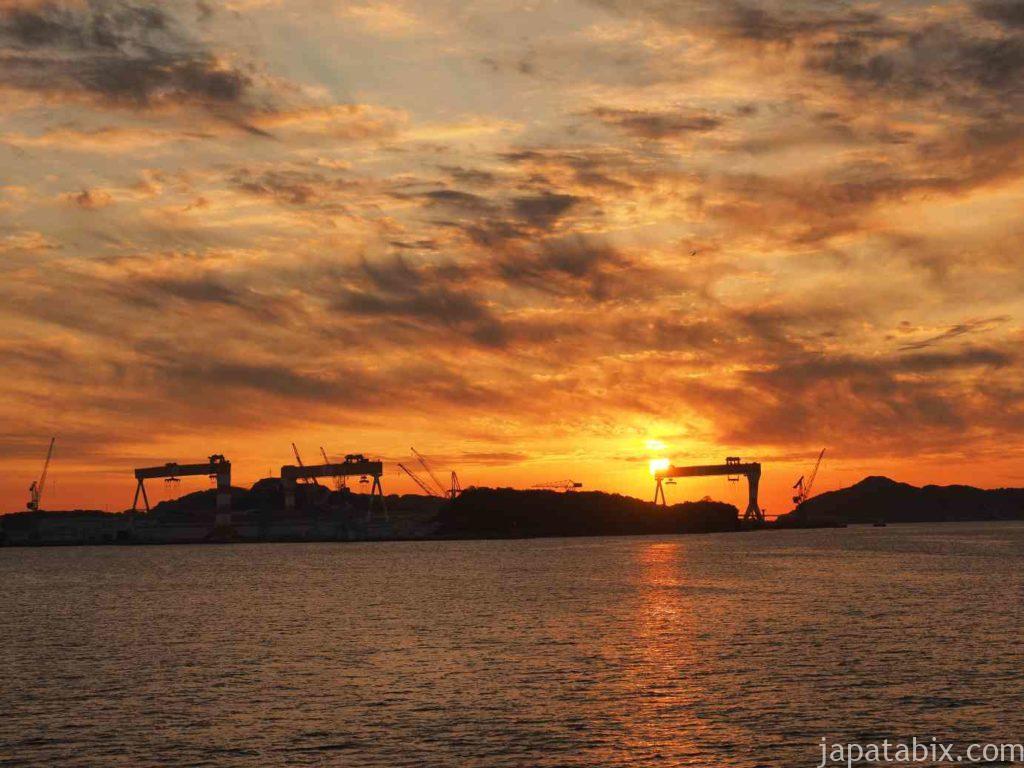 フェリー上で見た長崎の夕焼け