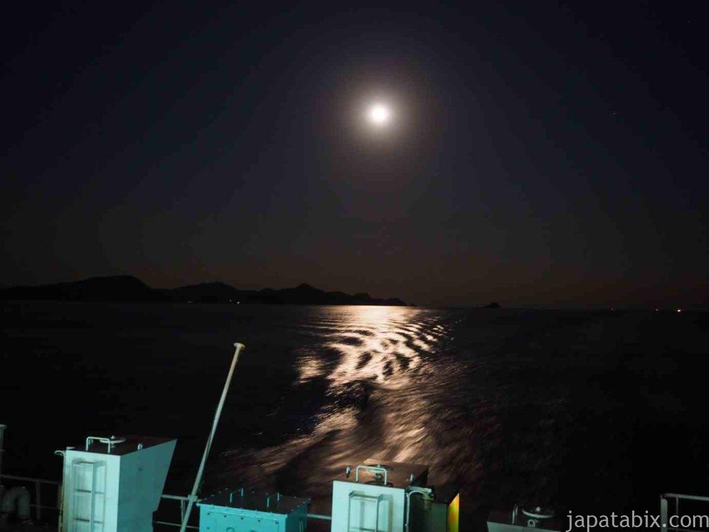 五島列島近海の月夜