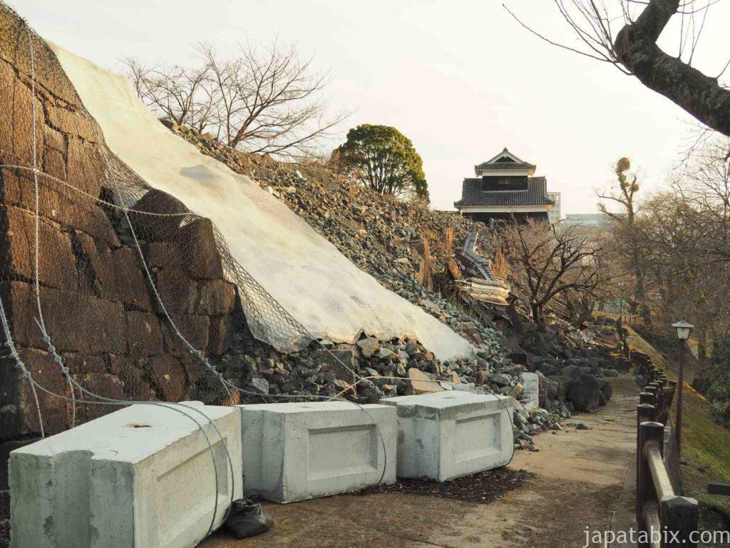 熊本県 熊本城 崩れた石垣