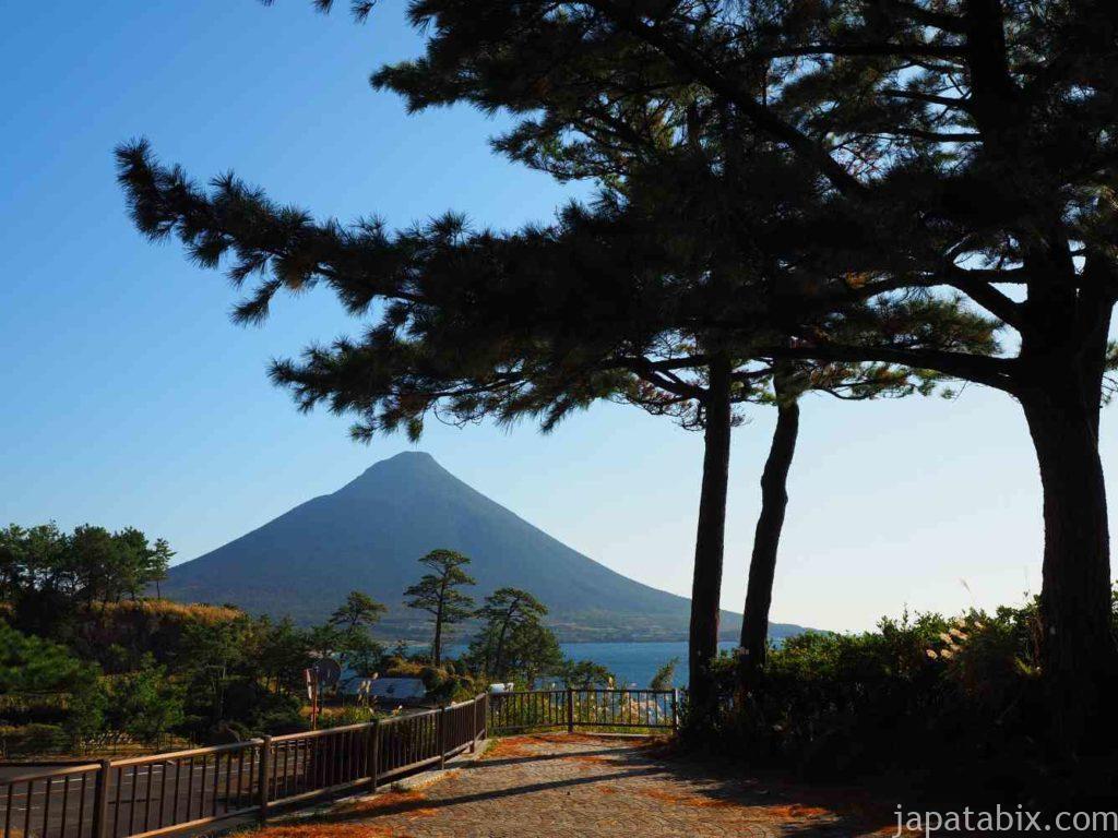 鹿児島 瀬平自然公園から見る開聞岳