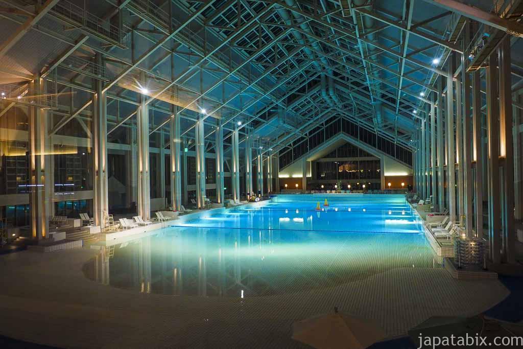 星野リゾートトマム 室内プール mina mina beach