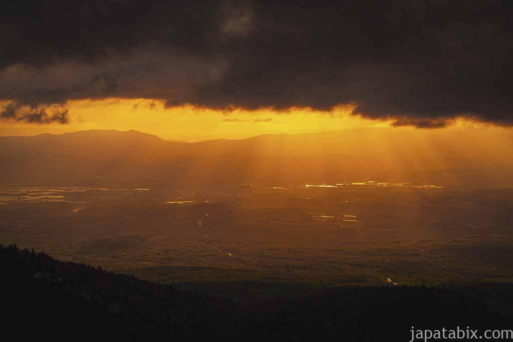 北海道 上富良野町 十勝岳温泉から見る夕焼け
