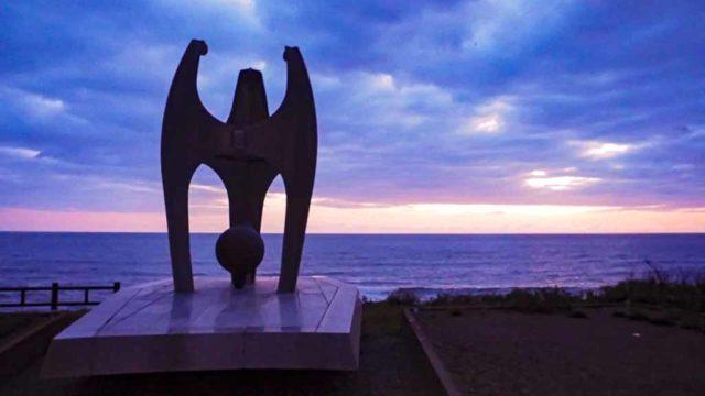 北海道 猿払村 インディギルカ号遭難者慰霊碑から見る日の出