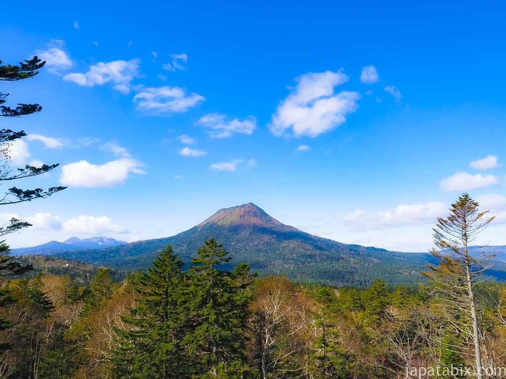 双岳台から見る雄阿寒岳