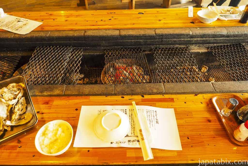 厚岸味覚ターミナル コンキリエ 炭火焼き 炙屋 座席