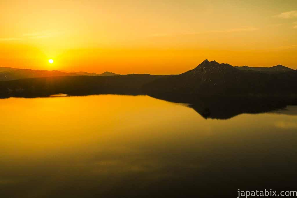 摩周湖と摩周岳