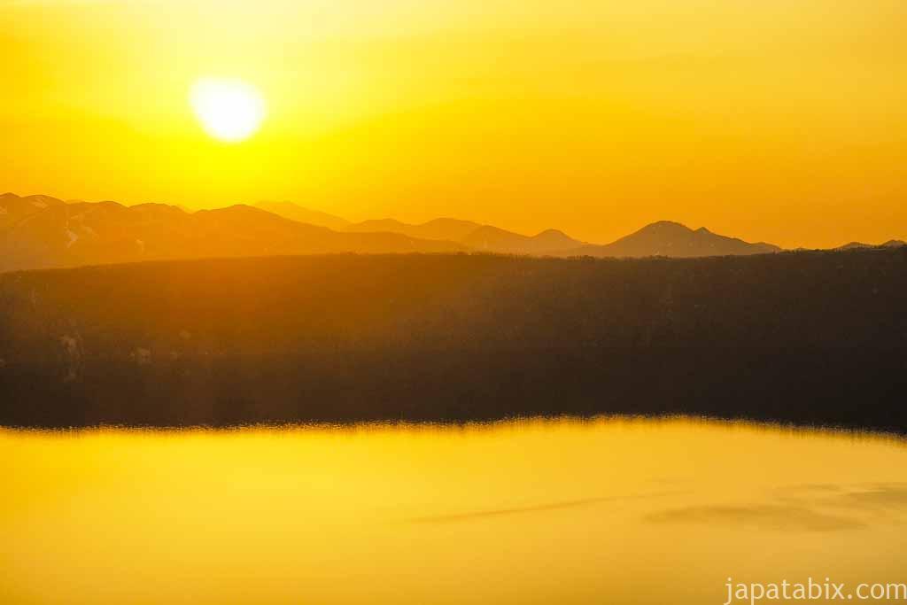 摩周湖の朝焼け