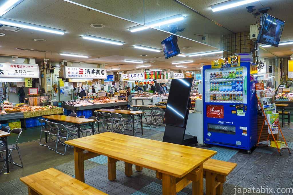 釧路和商市場 食事席