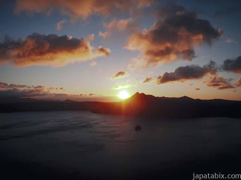 摩周岳の向こうから日の出