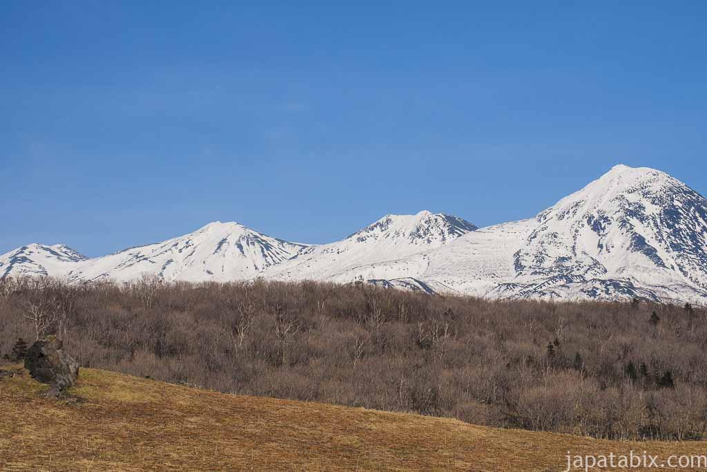 フレぺの滝 から見る知床連山