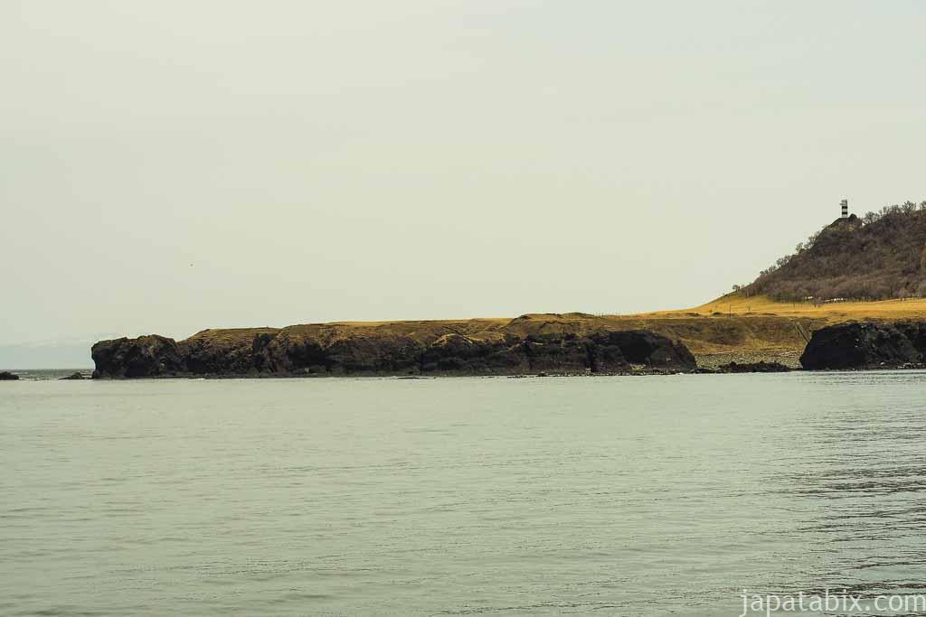 船から見る知床岬