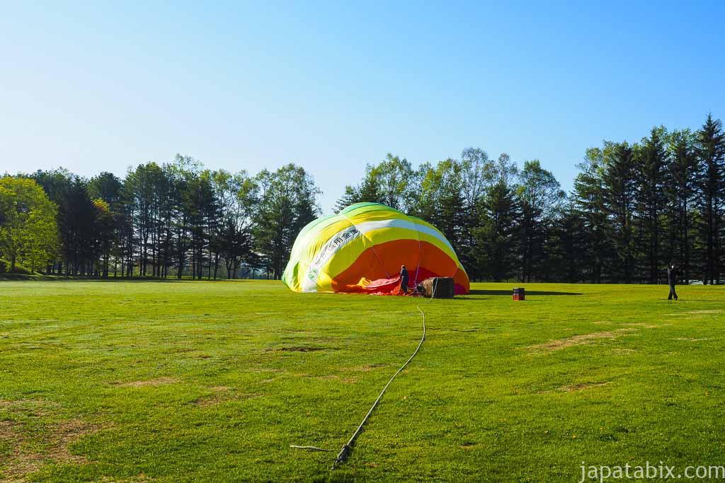 熱気球の準備中