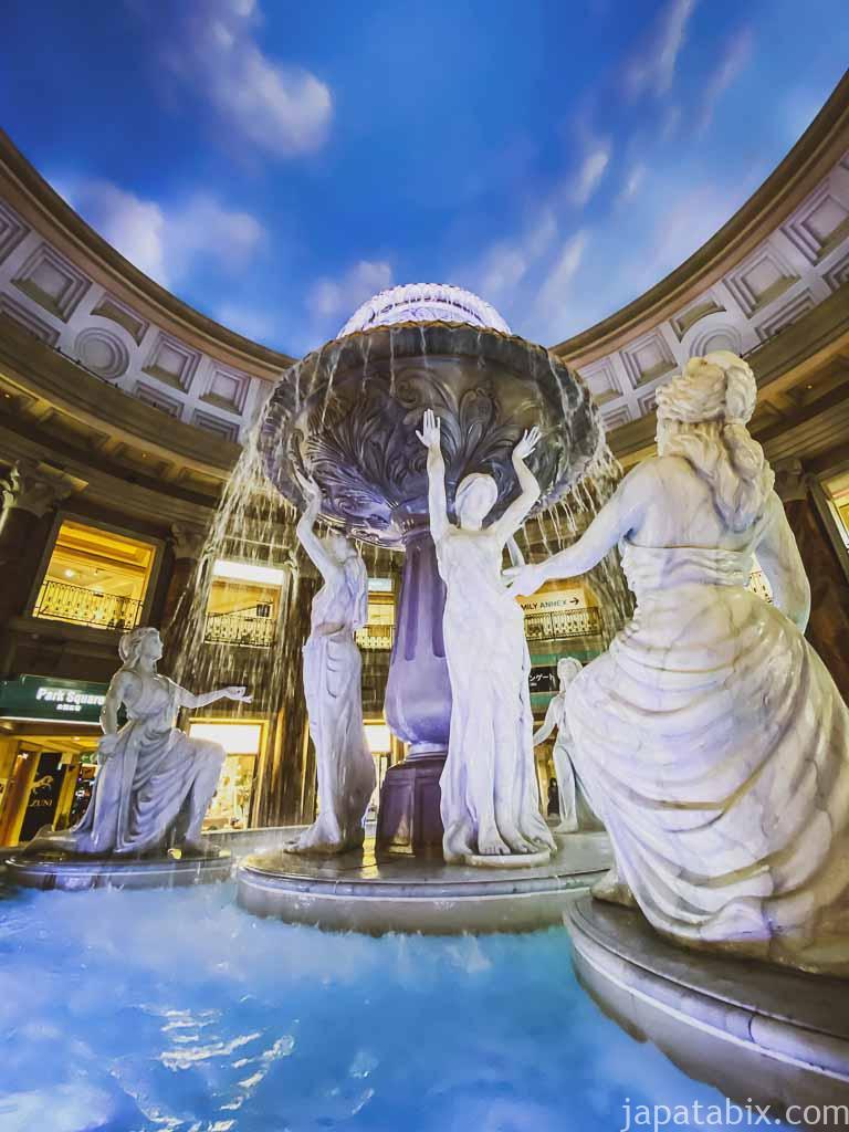 お台場 ヴィーナスフォート 噴水広場 6人の女神像