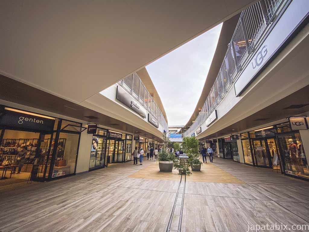 三井アウトレットパーク 横浜ベイサイド Aブロック2階