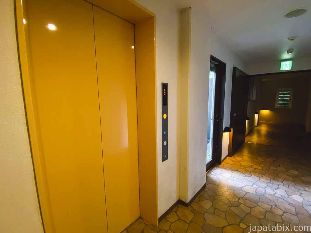 野沢グランドホテル 展望露天風呂へ向かうエレベータ