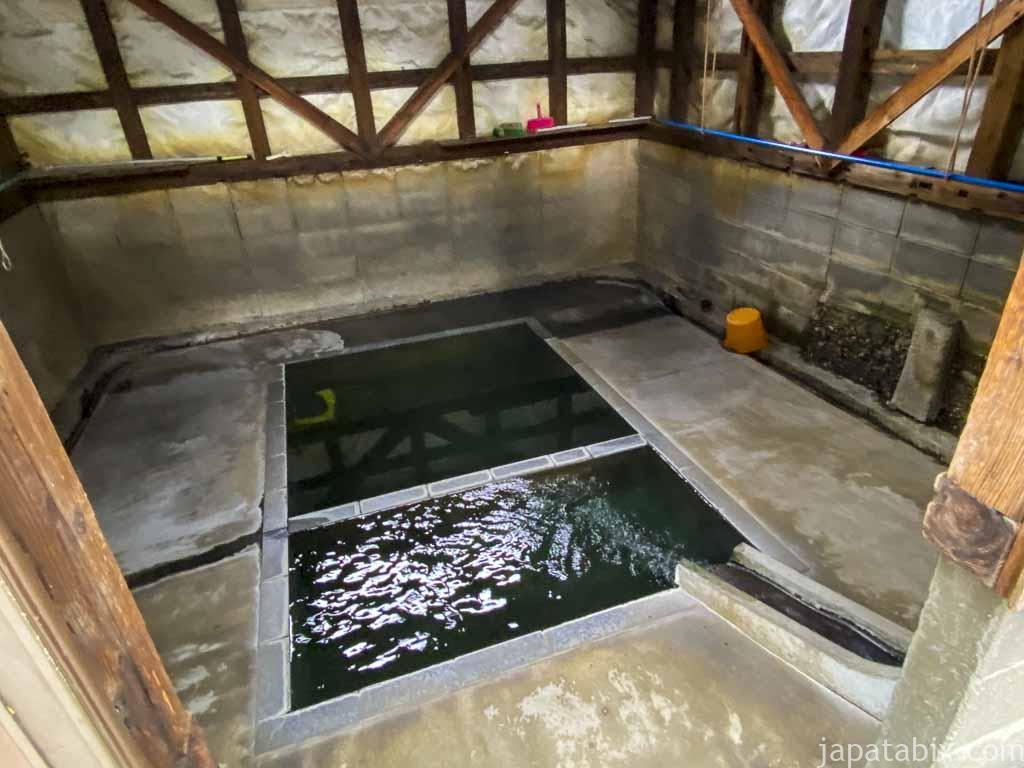 熊の手洗湯温泉街 洗濯湯