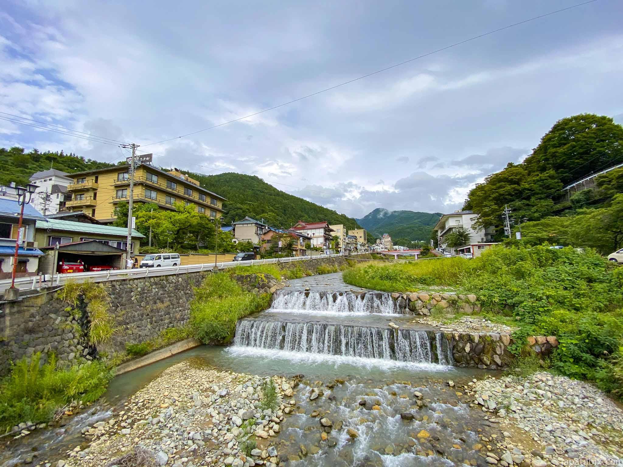 渋温泉 横湯川