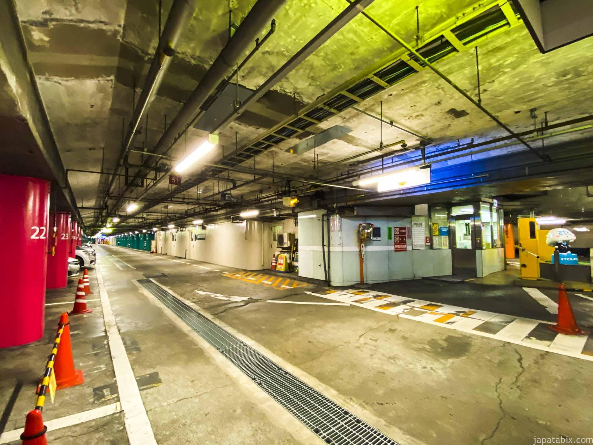 首都高 日本橋本町駐車場