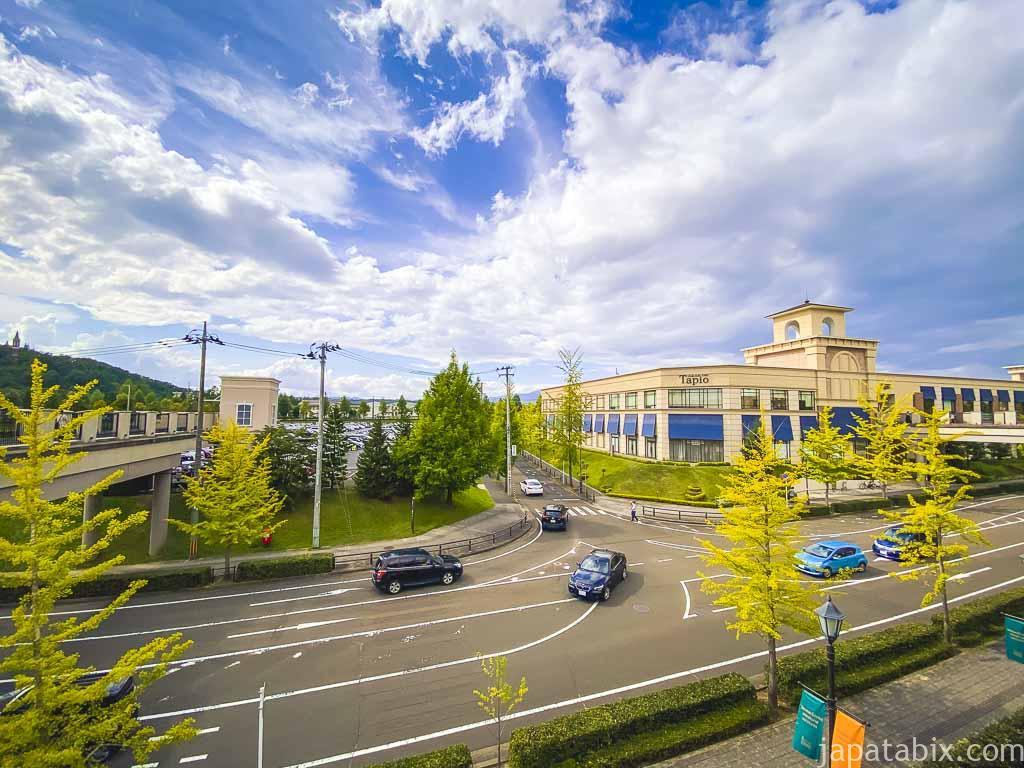 仙台泉プレミアムアウトレットから見たタピオ南館