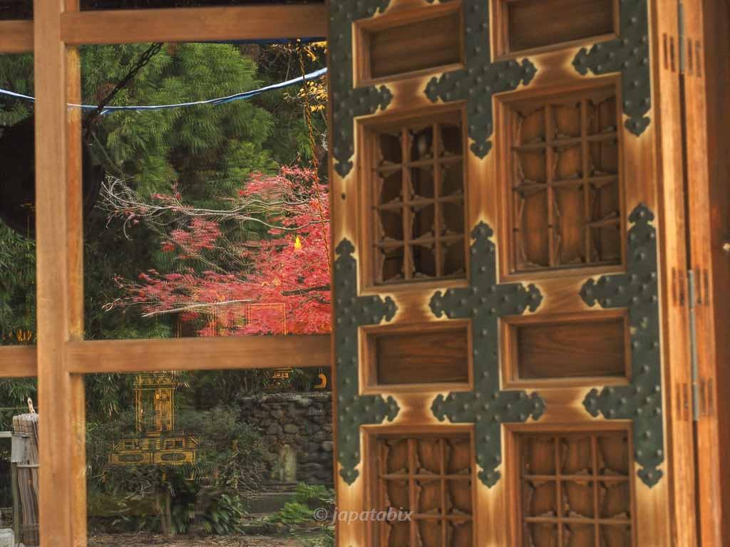京都 勧修寺 本殿(改修中)