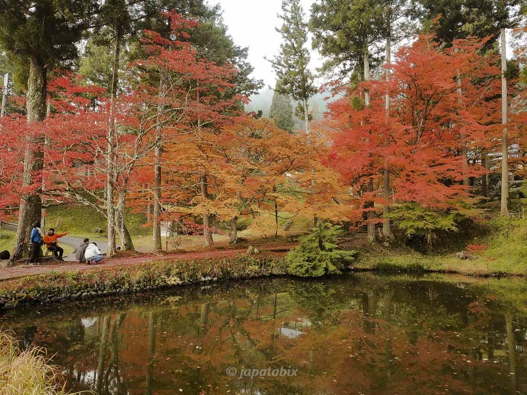 京都 龍穏寺 参道を横から見たところ