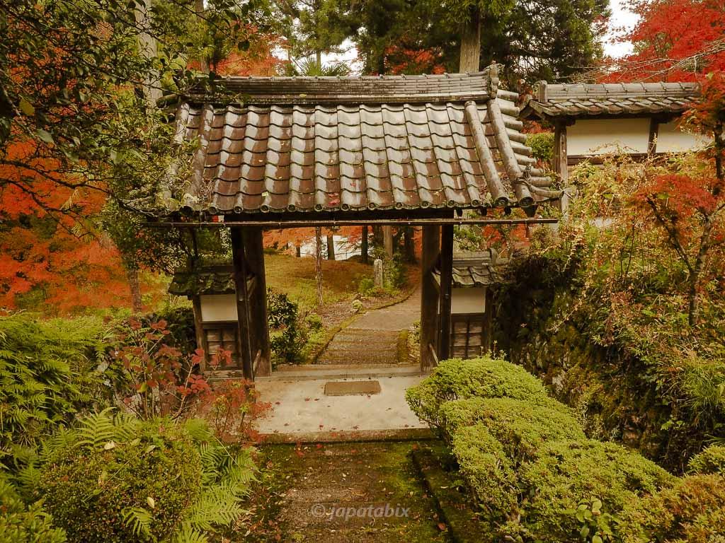京都 龍穏寺 山門